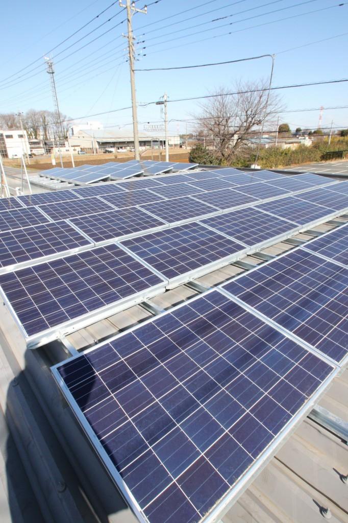 当社屋上の太陽光発電装置